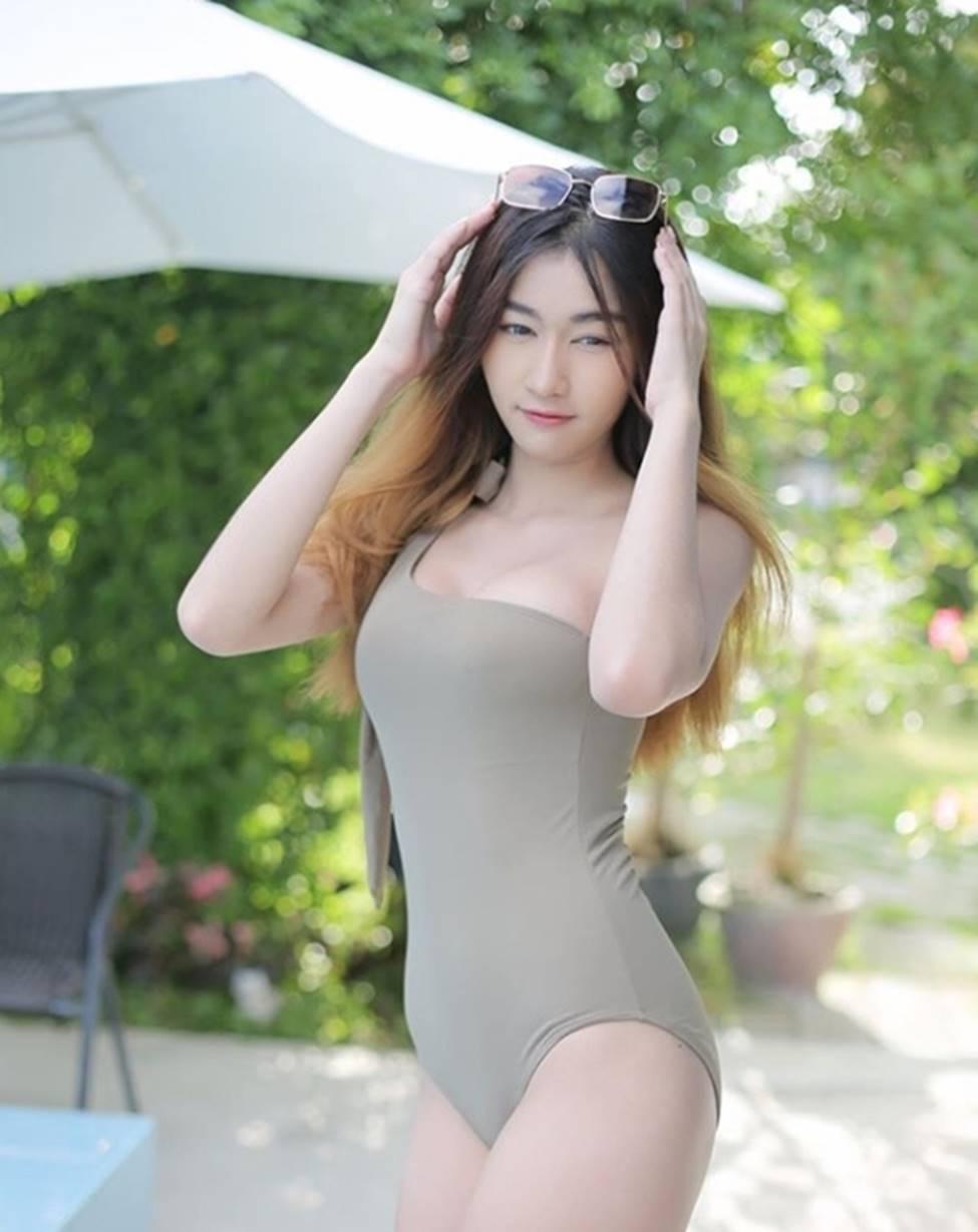 Dân Thái phát cuồng với vòng 2 phẳng lì, chắc như đá của cô gái xinh đẹp này-15