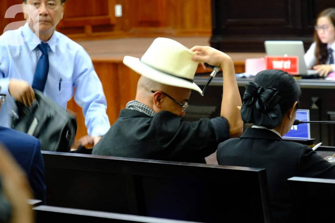 NÓNG: Bà Thảo vắng mặt trong phiên tòa ly hôn nghìn tỷ, ông Vũ cho biết không muốn nhắc đến chuyện gia đình-1