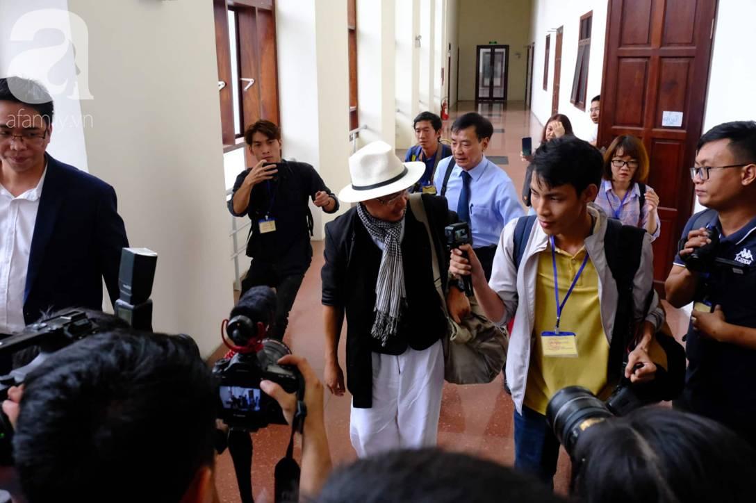 NÓNG: Bà Thảo vắng mặt trong phiên tòa ly hôn nghìn tỷ, ông Vũ cho biết không muốn nhắc đến chuyện gia đình-2