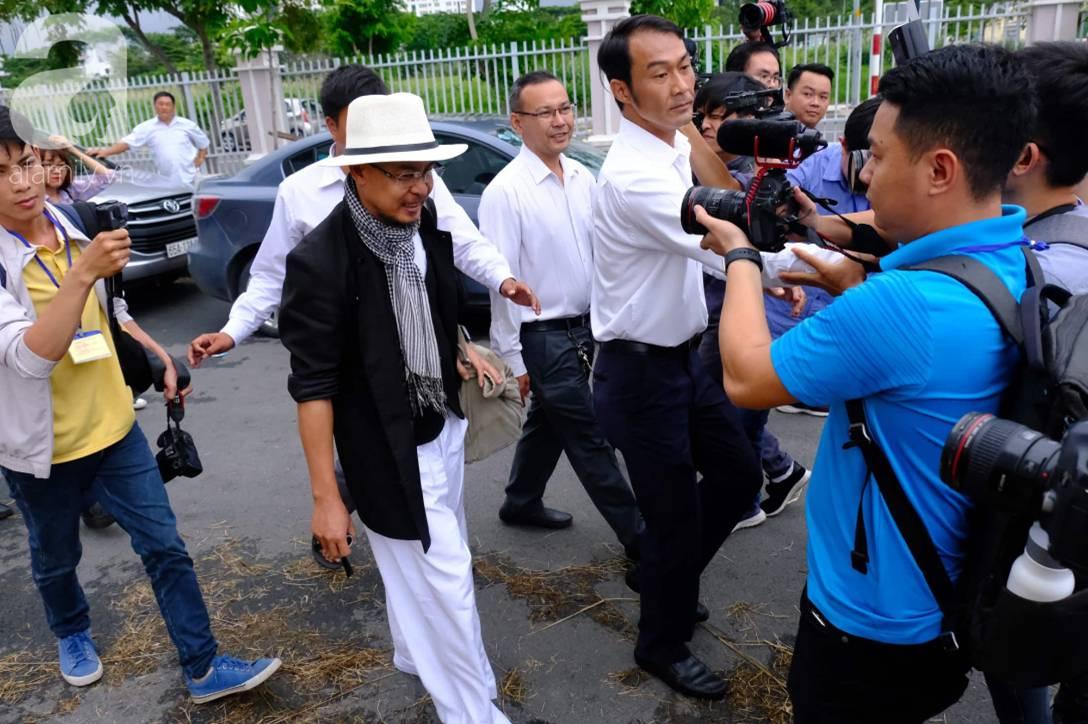 NÓNG: Bà Thảo vắng mặt trong phiên tòa ly hôn nghìn tỷ, ông Vũ cho biết không muốn nhắc đến chuyện gia đình-5
