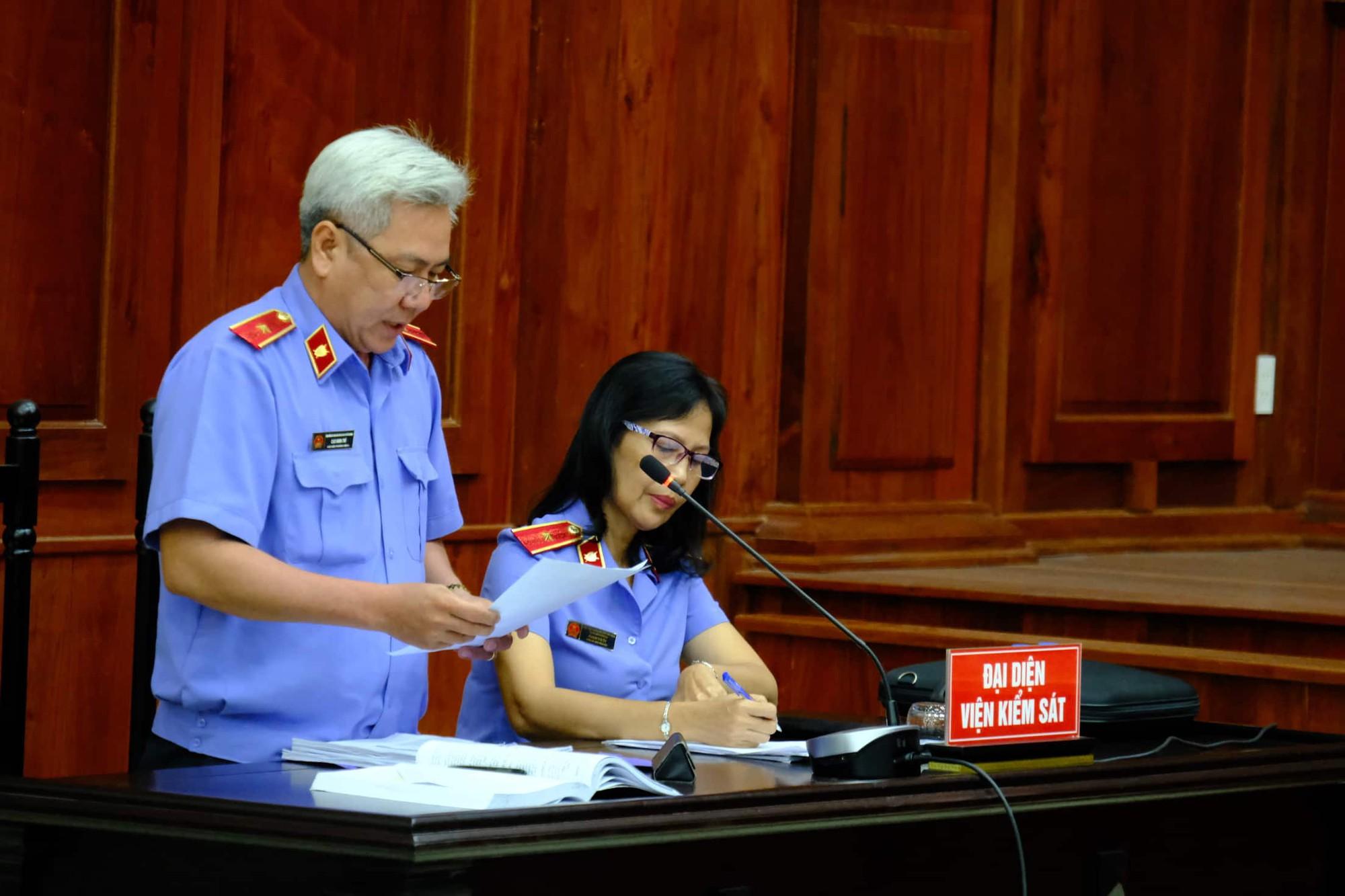 NÓNG: Bà Thảo vắng mặt trong phiên tòa ly hôn nghìn tỷ, ông Vũ cho biết không muốn nhắc đến chuyện gia đình-7