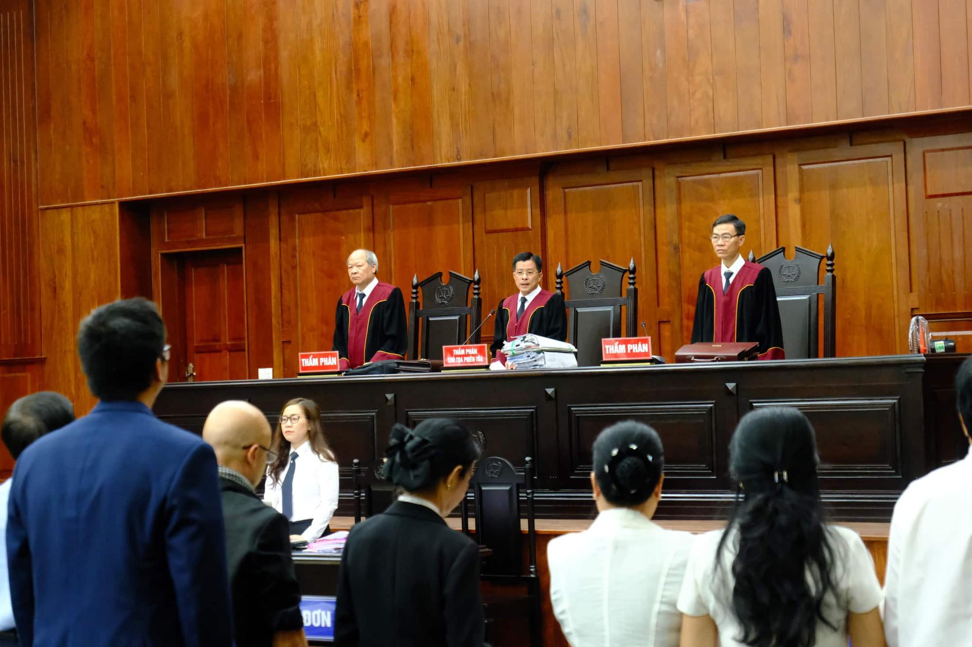 NÓNG: Bà Thảo vắng mặt trong phiên tòa ly hôn nghìn tỷ, ông Vũ cho biết không muốn nhắc đến chuyện gia đình-8