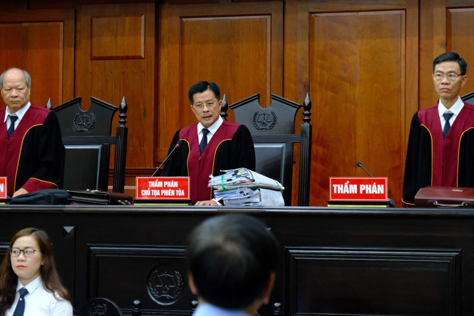 NÓNG: Bà Thảo vắng mặt trong phiên tòa ly hôn nghìn tỷ, ông Vũ cho biết không muốn nhắc đến chuyện gia đình-9
