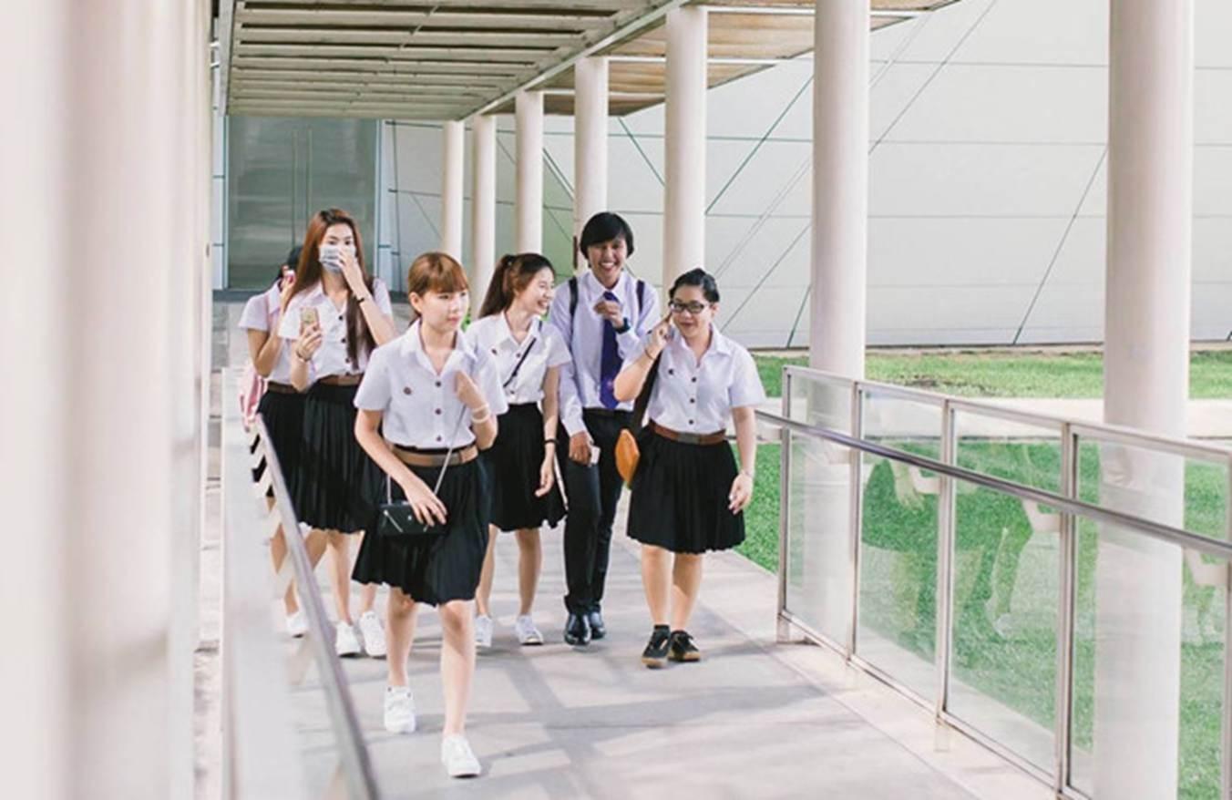 Đại học ở Thái Lan có đồng phục đầu bếp, bartender cho sinh viên-1