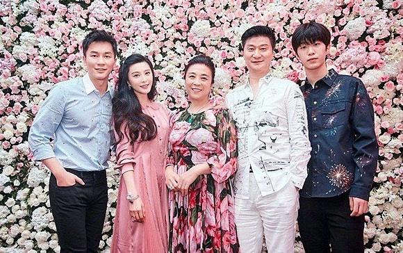 Vắng Lý Thần, sinh nhật tuổi 38 của Phạm Băng Băng vẫn ngập tràn đồ hiệu-13