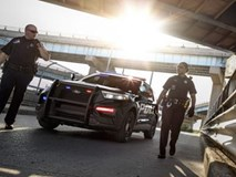 Bị bắt vì lái xe say xỉn, nữ tài xế gạ tình để hối lộ cảnh sát