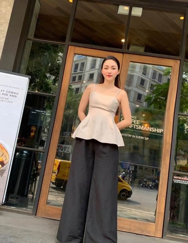 Tiểu Vy đăng ảnh gợi cảm, Mai Phương Thuý trầm trồ: Hoa hậu đẹp nhất đây rồi!-15