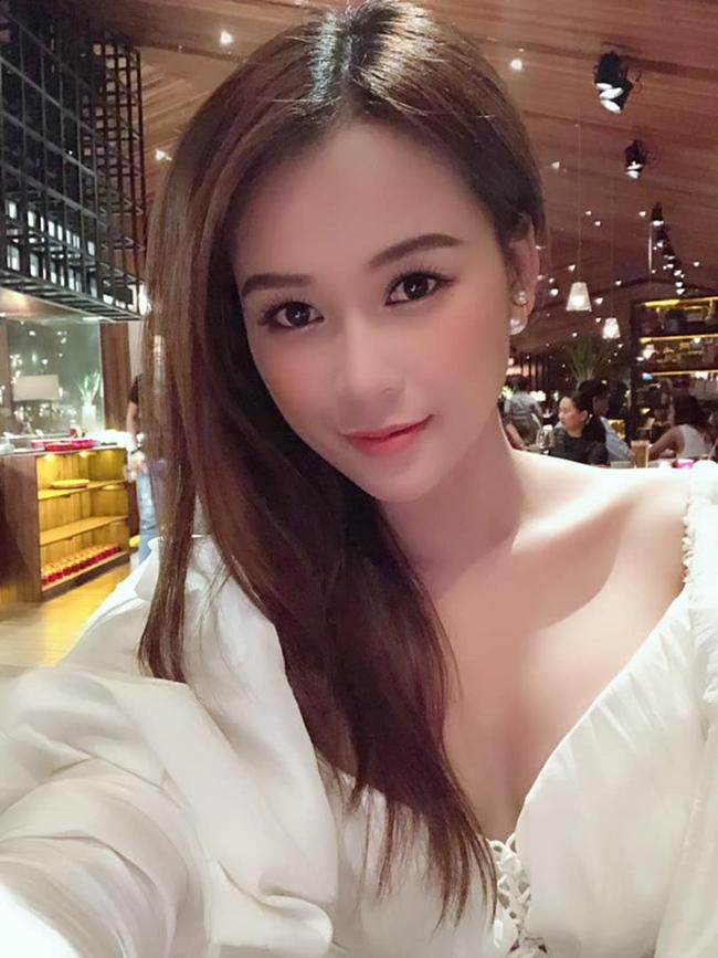 3 người đẹp bị đồn yêu Ngô Kiến Huy, ai nóng bỏng nhất?-15