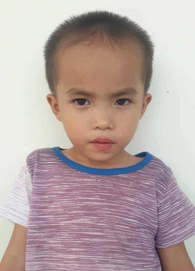 Huy động hàng trăm người tìm kiếm cháu bé 6 tuổi mất tích ở Nghệ An-1