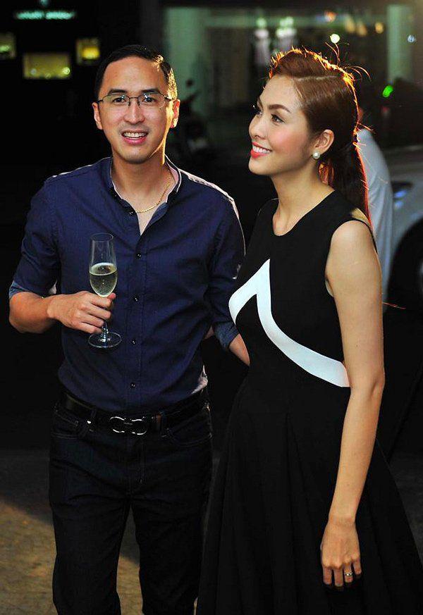 Trước tin đồn hôn nhân rạn nứt, Tăng Thanh Hà và chồng luôn ăn mặc tinh tế và đồng điệu-18