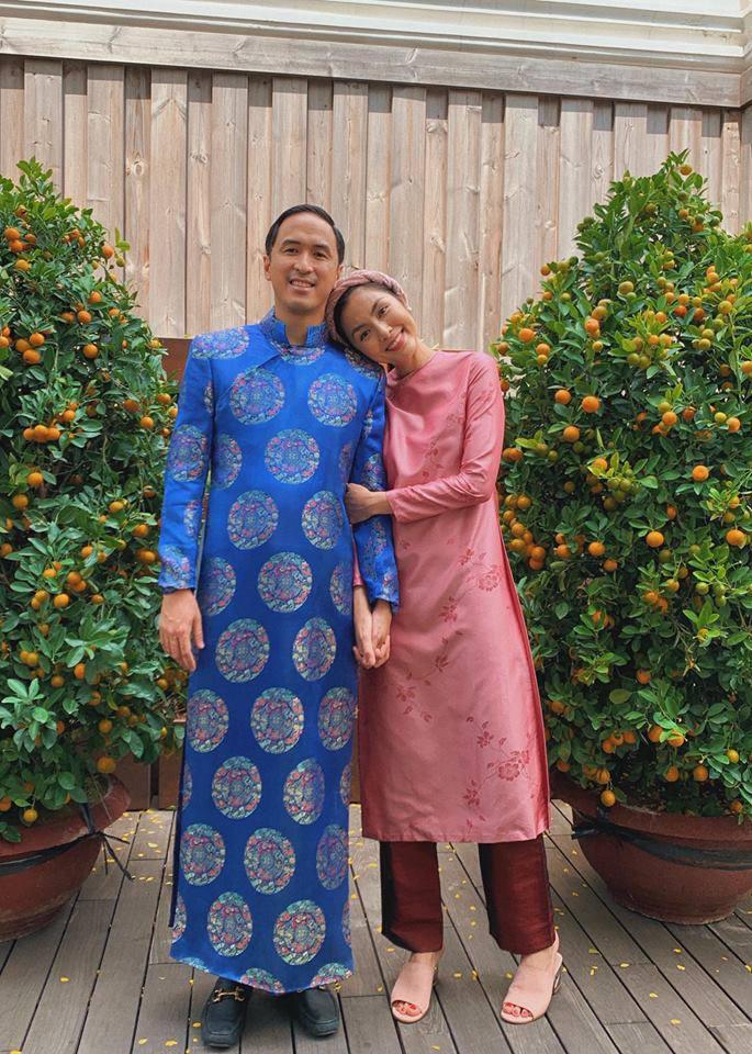 Trước tin đồn hôn nhân rạn nứt, Tăng Thanh Hà và chồng luôn ăn mặc tinh tế và đồng điệu-8