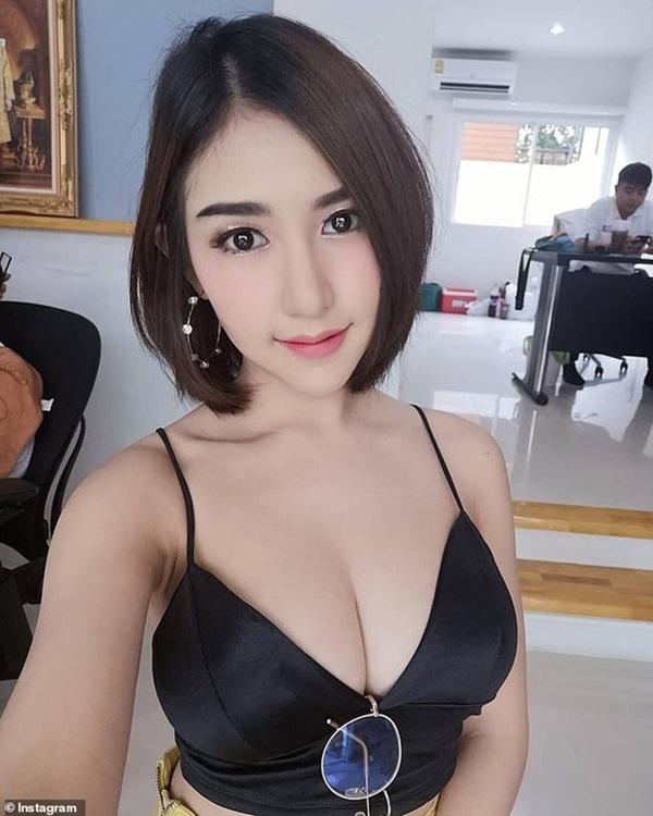 Hotgirl nổi tiếng Thái Lan được tìm thấy đã chết, camera giám sát ghi lại hình ảnh cô bị kéo lê vào thang máy trong tình trạng bất tỉnh-4