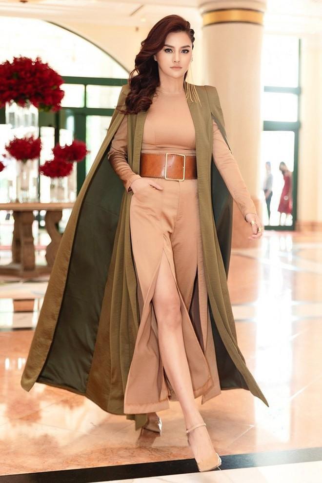Lên án trang phục của Ngọc Trinh, vậy phong cách thời trang của Vũ Thu Phương ra sao?-2