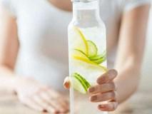 Uống nước chanh kiểu này hại hơn uống 'thuốc độc'
