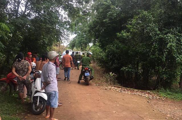 Án mạng kinh hoàng ở Bình Phước: Em ruột nghi dùng súng bắn liên tiếp vào vợ chồng anh trai khiến 2 người thương vong-1