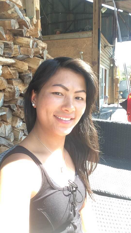 Cô gái H'mông nói tiếng Anh như gió hóa ra có mối thân tình với Công Phượng, chẳng những cùng sống ở Bỉ mà còn học chung lớp-1