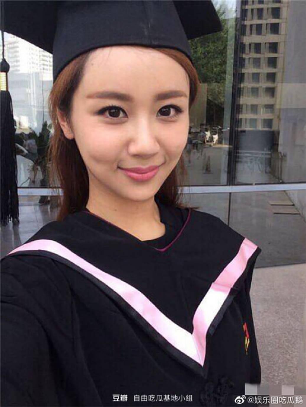 Lưu Diệc Phi và dàn sao Hoa ngữ ngố tàu khi mặc đồng phục tốt nghiệp-2
