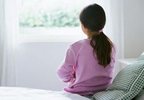 Phát hiện đồ lót của con gái 13 tuổi ra dịch vàng, mẹ dẫn đi siêu âm mới giật mình vì căn bệnh con đang mắc-2