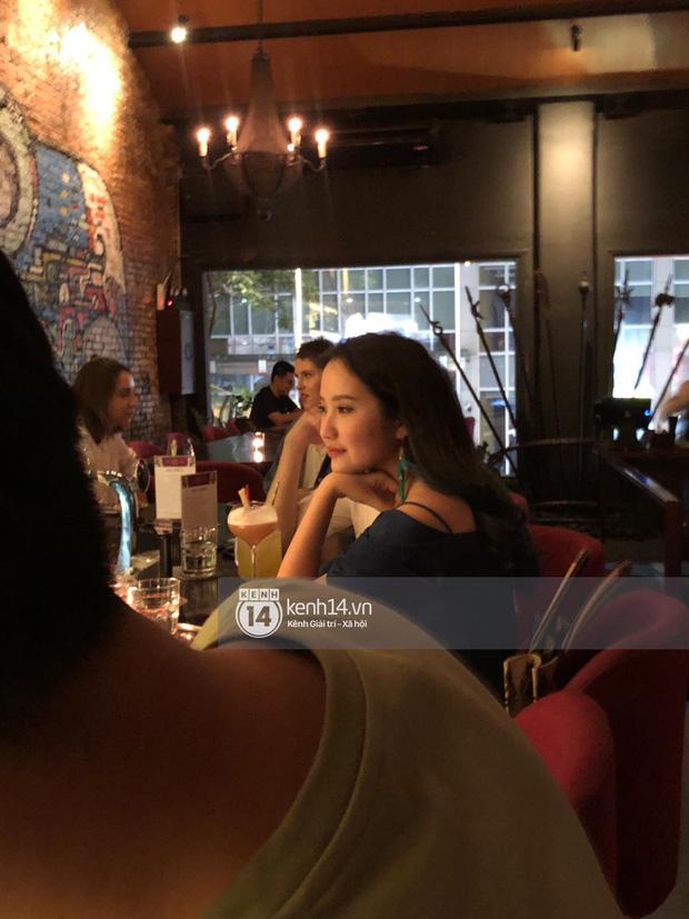 Primmy Trương bị bắt gặp hôn má người đàn ông lạ trong bar, có bạn trai mới sau 8 tháng chia tay Phan Thành?-1
