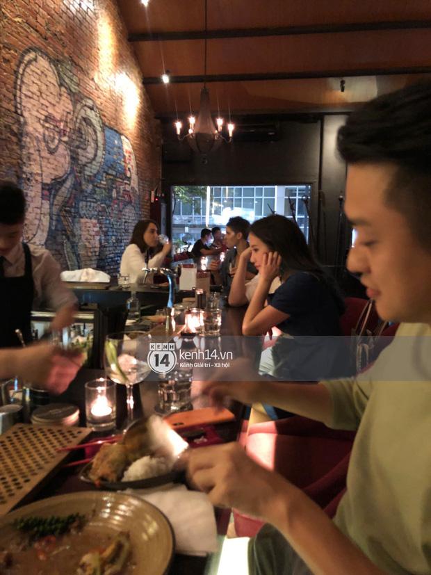 Primmy Trương bị bắt gặp hôn má người đàn ông lạ trong bar, có bạn trai mới sau 8 tháng chia tay Phan Thành?-5