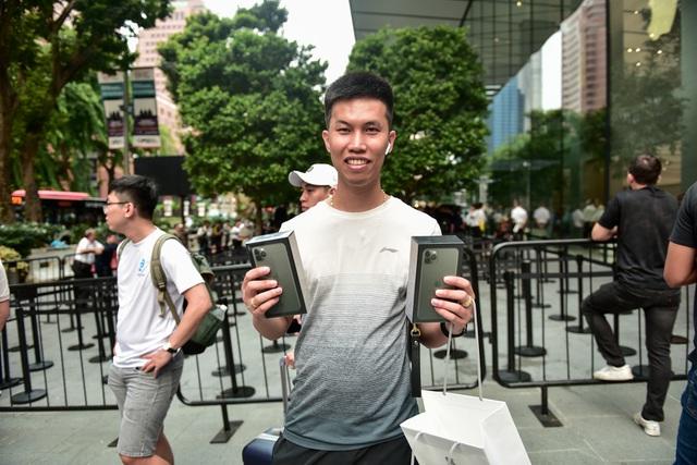 Những chiếc iPhone 11 chính hãng đầu tiên trên thế giới về tay người Việt Nam-4
