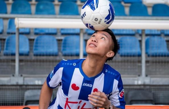 Văn Hậu vui vẻ với đồng đội mới, sẵn sàng hòa nhập CLB ở Hà Lan-1