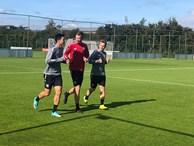 Văn Hậu vui vẻ với đồng đội mới, sẵn sàng hòa nhập CLB ở Hà Lan