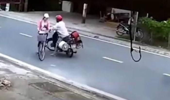 Xác minh danh tính người đàn ông chặn đường, sàm sỡ bé gái ở Nam Định-1