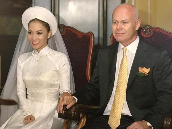 Ảnh cưới hiếm của nghệ sĩ Hoài Linh, Thu Minh và các sao Việt-1