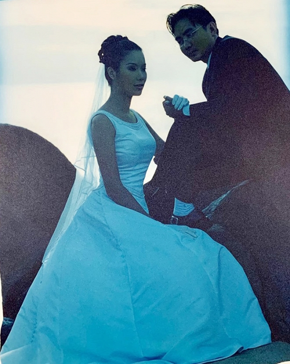 Ảnh cưới hiếm của nghệ sĩ Hoài Linh, Thu Minh và các sao Việt-5