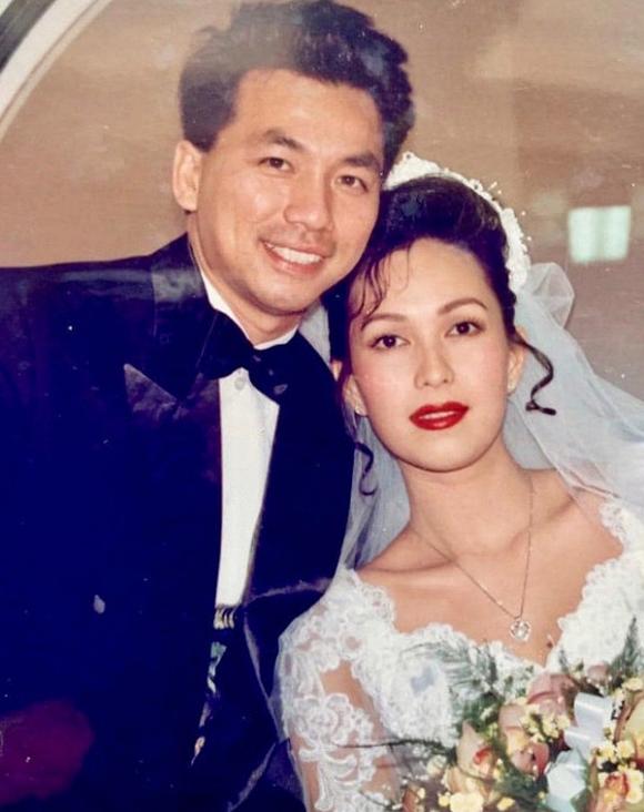 Ảnh cưới hiếm của nghệ sĩ Hoài Linh, Thu Minh và các sao Việt-7