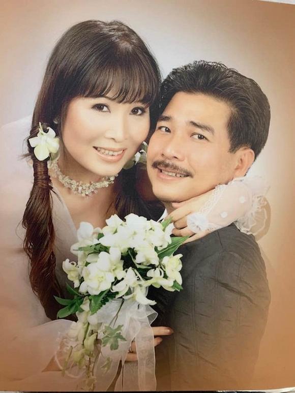 Ảnh cưới hiếm của nghệ sĩ Hoài Linh, Thu Minh và các sao Việt-8