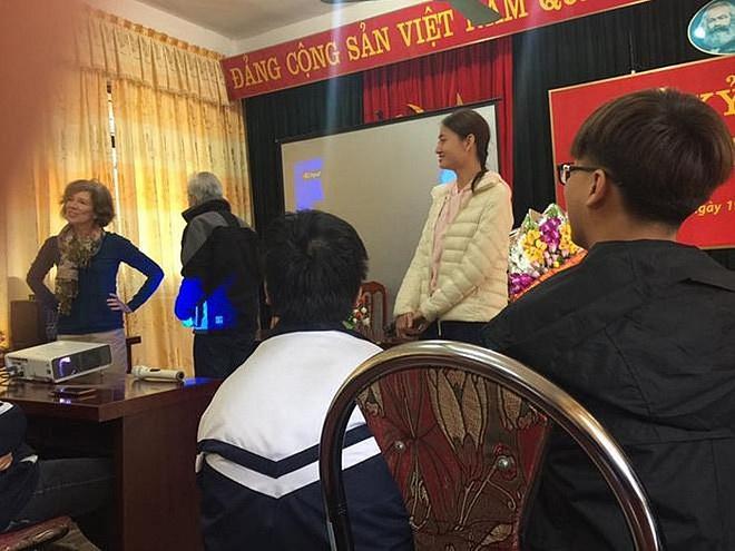 """Soi học vấn của dàn Hoa hậu đình đám Vbiz: Người chiến tích"""" khoe mãi không hết, người gây tiếc nuối vì còn dở dang!-9"""