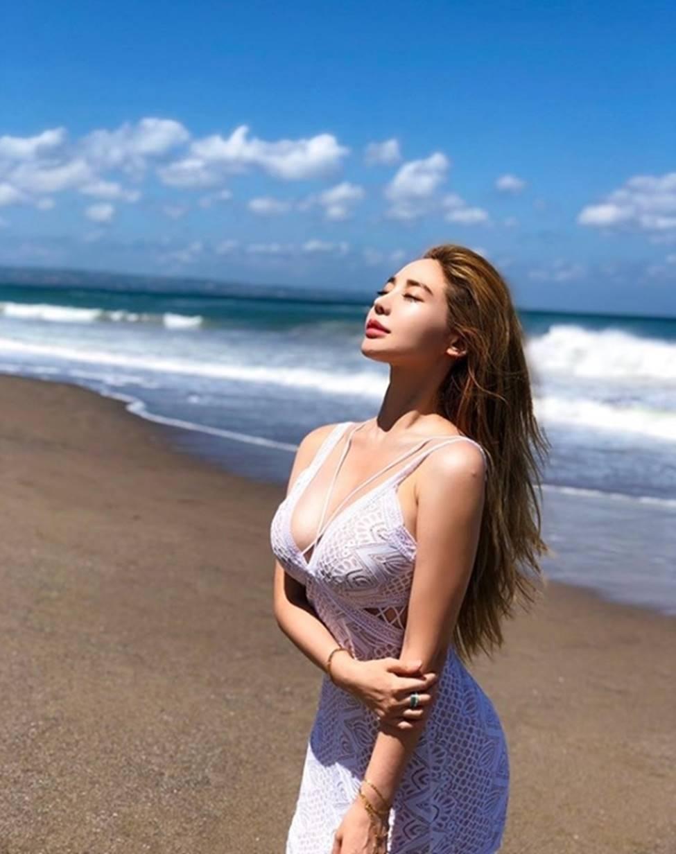 Vẻ đẹp vượt chuẩn Hàn Quốc thông thường của 2 cô gái khiến vạn chàng trai mê mẩn-10