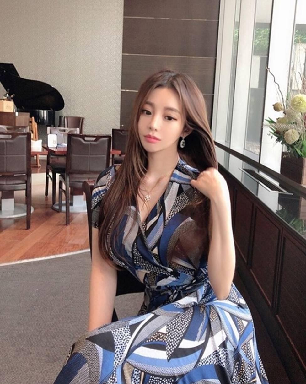 Vẻ đẹp vượt chuẩn Hàn Quốc thông thường của 2 cô gái khiến vạn chàng trai mê mẩn-9