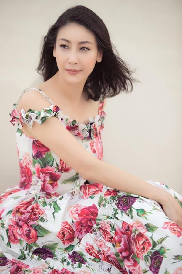 Hoa hậu có xuất thân khủng nhất Việt Nam: Cuộc đời long đong lận đận, trải qua sóng gió mới tìm thấy hạnh phúc-12