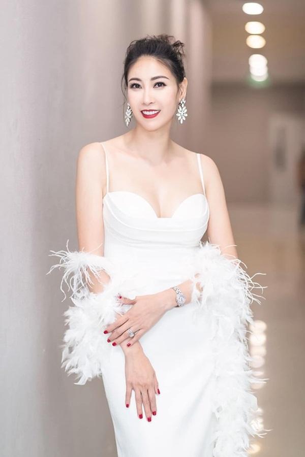 Hoa hậu có xuất thân khủng nhất Việt Nam: Cuộc đời long đong lận đận, trải qua sóng gió mới tìm thấy hạnh phúc-14