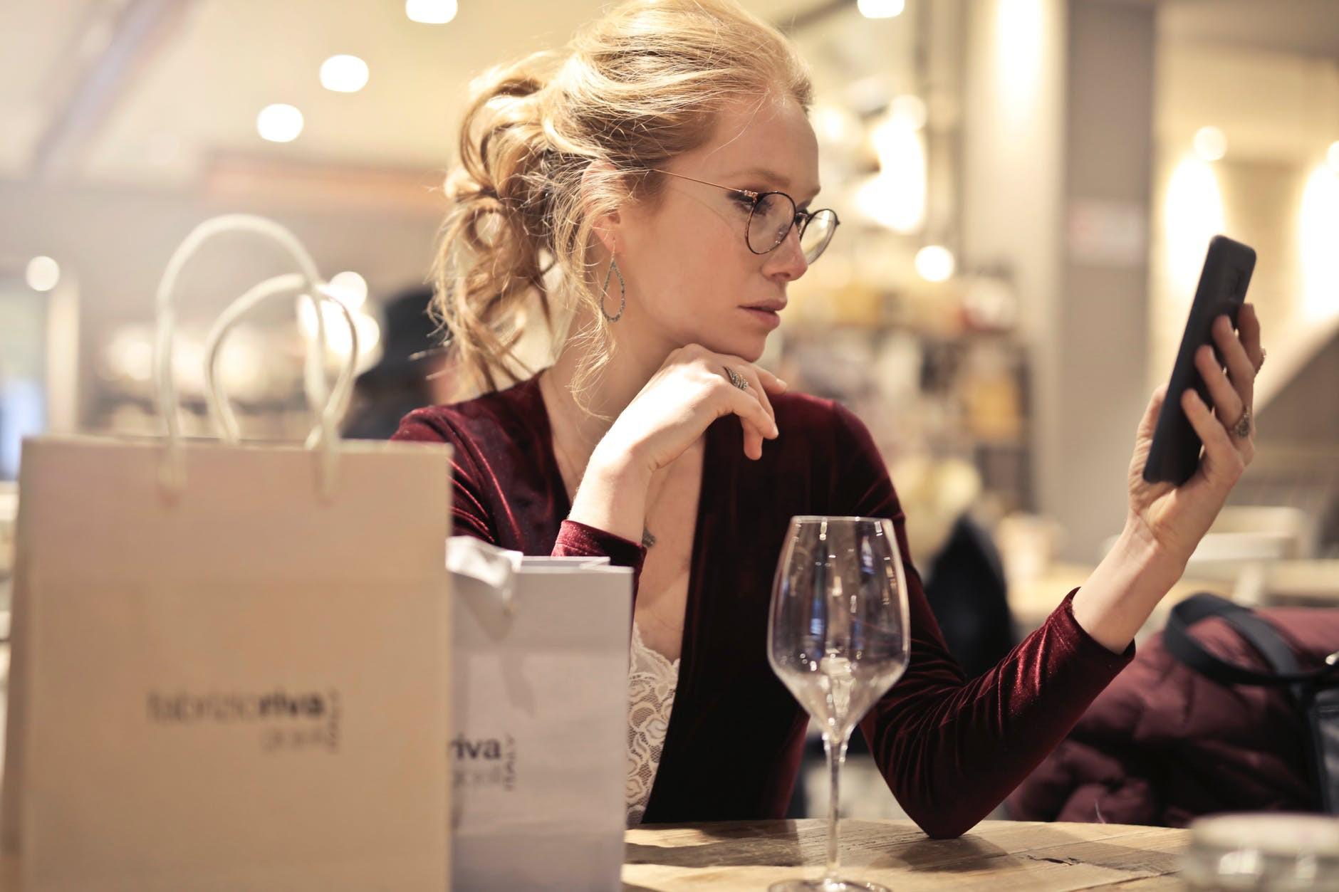 Vì sao vô các khách sạn hay nhà hàng lớn, lại có nơi không cho bạn xách bọc thức ăn thừa mang về?-4