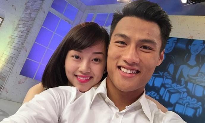 Hot mom Ly Kute: Từ cô gái ôm bụng bầu lên chùa tĩnh tâm vì bạn trai bỏ đến bà mẹ đơn thân chăm chỉ kiếm tiền, cho con học hẳn trường quốc tế-1