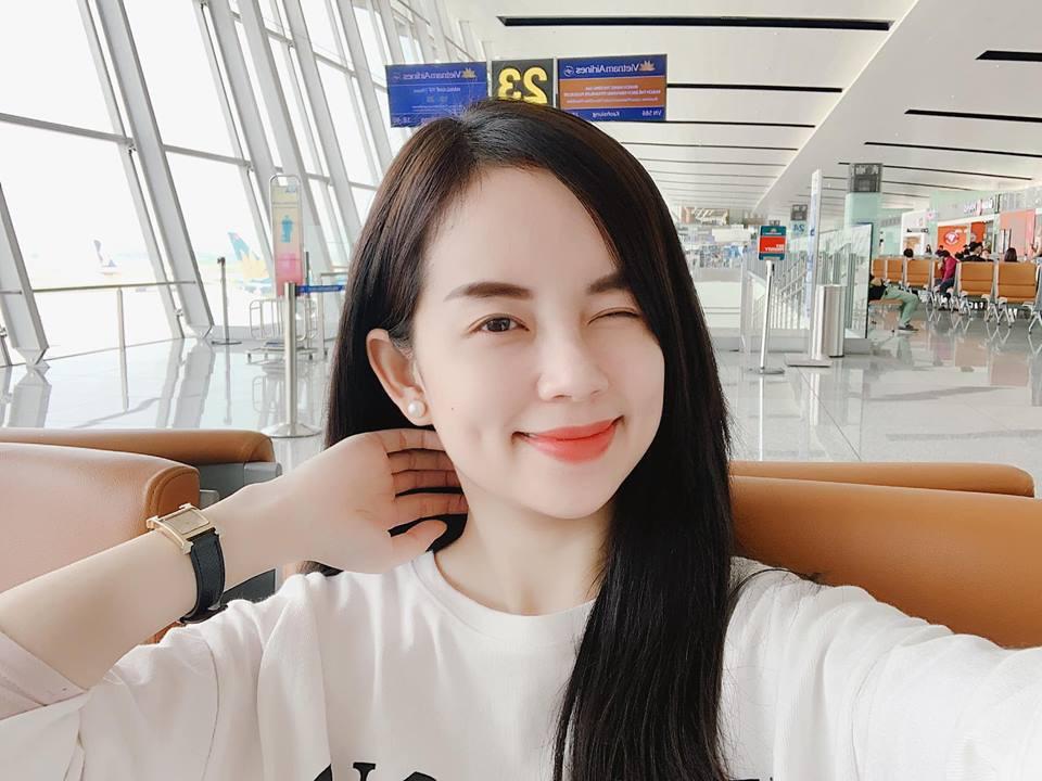 Hot mom Ly Kute: Từ cô gái ôm bụng bầu lên chùa tĩnh tâm vì bạn trai bỏ đến bà mẹ đơn thân chăm chỉ kiếm tiền, cho con học hẳn trường quốc tế-18