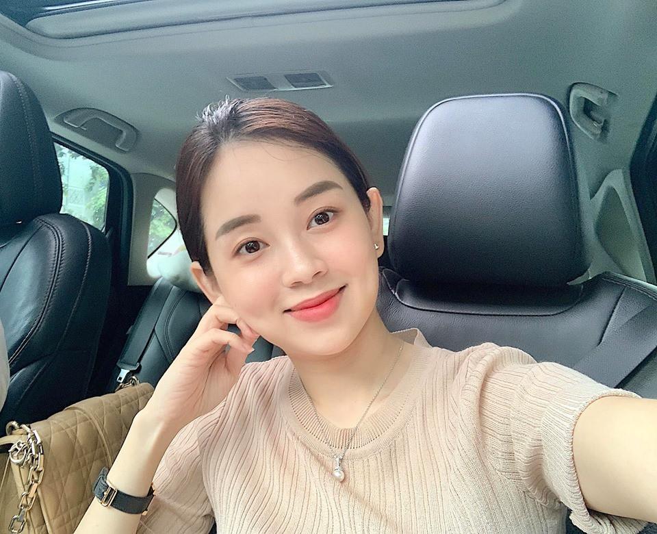 Hot mom Ly Kute: Từ cô gái ôm bụng bầu lên chùa tĩnh tâm vì bạn trai bỏ đến bà mẹ đơn thân chăm chỉ kiếm tiền, cho con học hẳn trường quốc tế-19