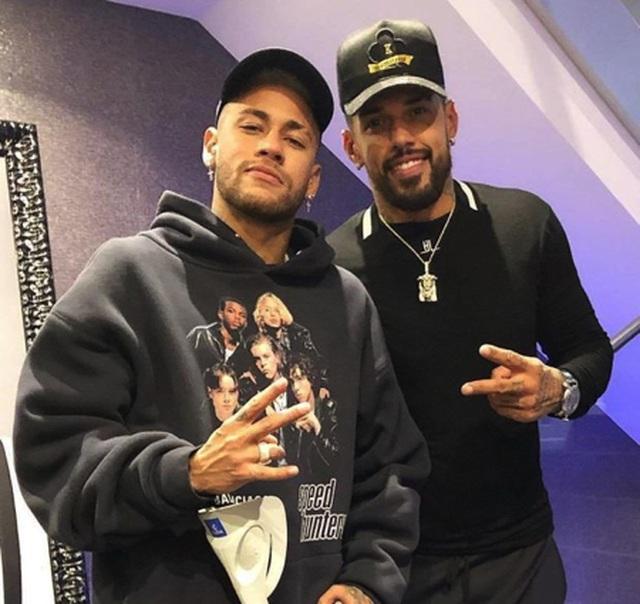 Choáng với cuộc sống sang chảnh, thác loạn của Neymar-3