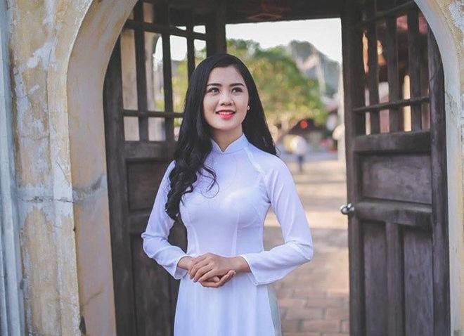 Top 5 cô vợ xinh đẹp của tuyển thủ Việt Nam-1