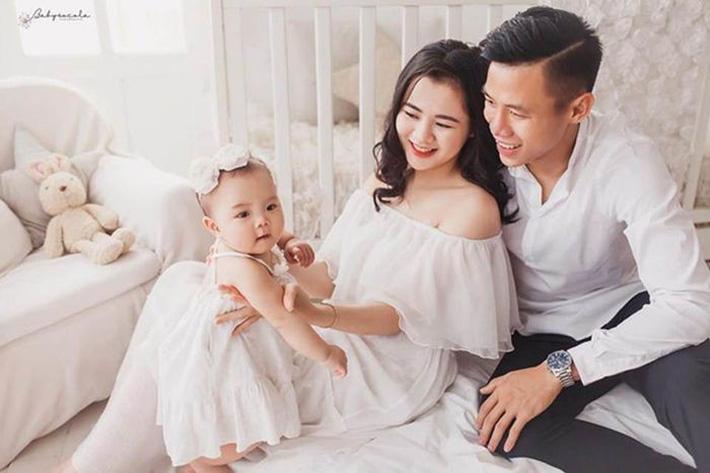 Top 5 cô vợ xinh đẹp của tuyển thủ Việt Nam-2