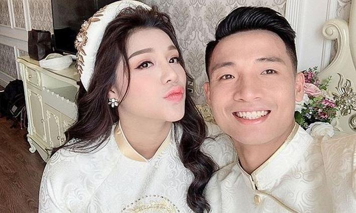 Top 5 cô vợ xinh đẹp của tuyển thủ Việt Nam-4