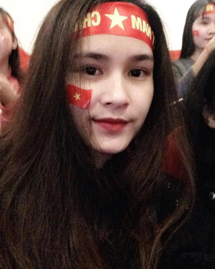 Top 5 cô vợ xinh đẹp của tuyển thủ Việt Nam-5