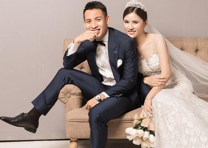 Top 5 cô vợ xinh đẹp của tuyển thủ Việt Nam-6