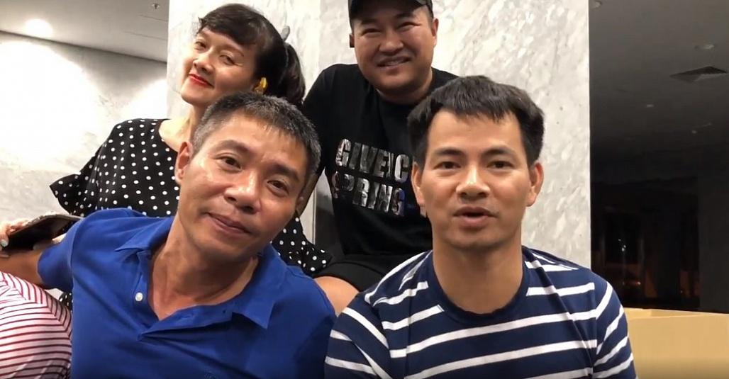Ca sĩ Minh Quân xuất hiện với gương mặt khác lạ trong clip hậu trường Táo quân-2