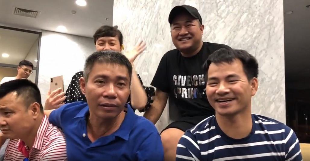 Ca sĩ Minh Quân xuất hiện với gương mặt khác lạ trong clip hậu trường Táo quân-1