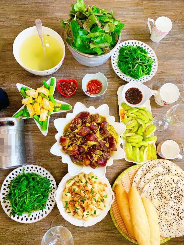Từ nấu ăn chồng không thèm liếc vì chê dở, 8X thành đầu bếp gia đình, mở được cả quán-10